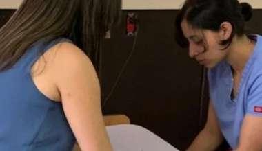 Experta dominicana continúa labor en Jornada de Capacitación y Docencia internacional en curas de heridas en Guatemala
